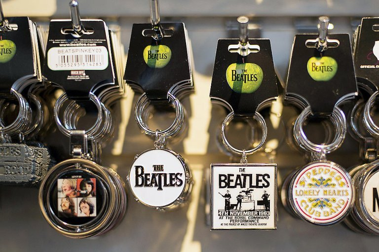 Apple Corps de The Beatles gana demanda millonaria - Urbana 106.9 FM