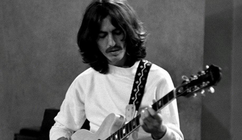 George Harrison, el Beatle más joven cumpliría 78 años
